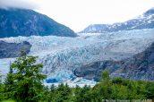 Vue sur l'impressionnant Mendenhall Glacier près de Juneau, Alaska