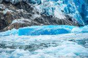 Iceberg couleur bleu menthol à North Sawyer Glacier, Alaska