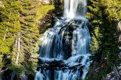 Cascade Undine Falls près de Mammoth Hot Springs, Yellowstone National Park