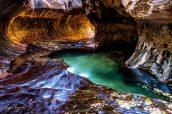 A l'intérieur su Subway, son tunnel lumineux et sa piscine naturelle, Zion National Park