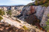 Couleurs automnales près de la section Little Siberia à West Rim Trail, Zion National Park