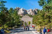 Le Mont Rushmore et son avenue principale (en travaux au moment de ma visite)