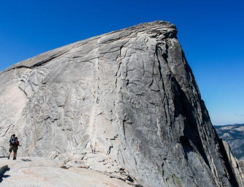 Une longue randonnée vers le sommet du Half Dome à Yosemite